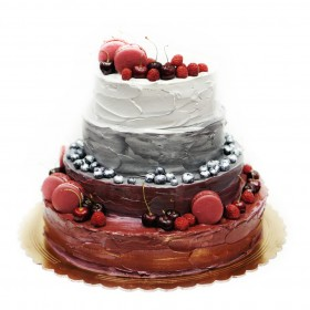 Торт свадебный с макарони и вишнями