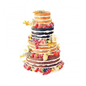 Четырехъярусный свадебный торт с открытыми шоколадными и ванильными бисквитами, свежими ягодами и физалисом
