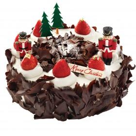 Торт  на Новый год украшенный фигурами оловянных солдатиков
