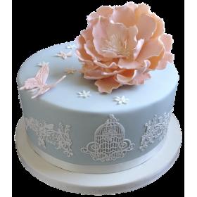 Торт с пышным бутоном цветка