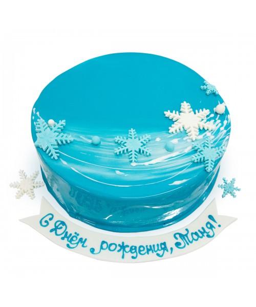 Торт на Новый год  нежно-голубой со снежинками